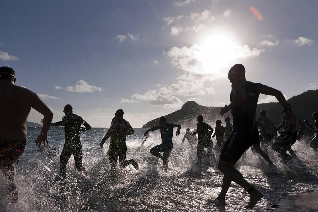 Triathlon-2011-the-ocean-swim-begins-credit-Andrea-Francolini.jpg