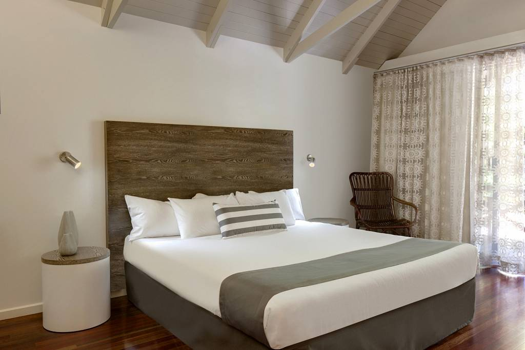 Palm Bungalow Bed